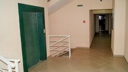 Лифт дома на Кирова, 33 немного медленный, но зато надежный и вместительный